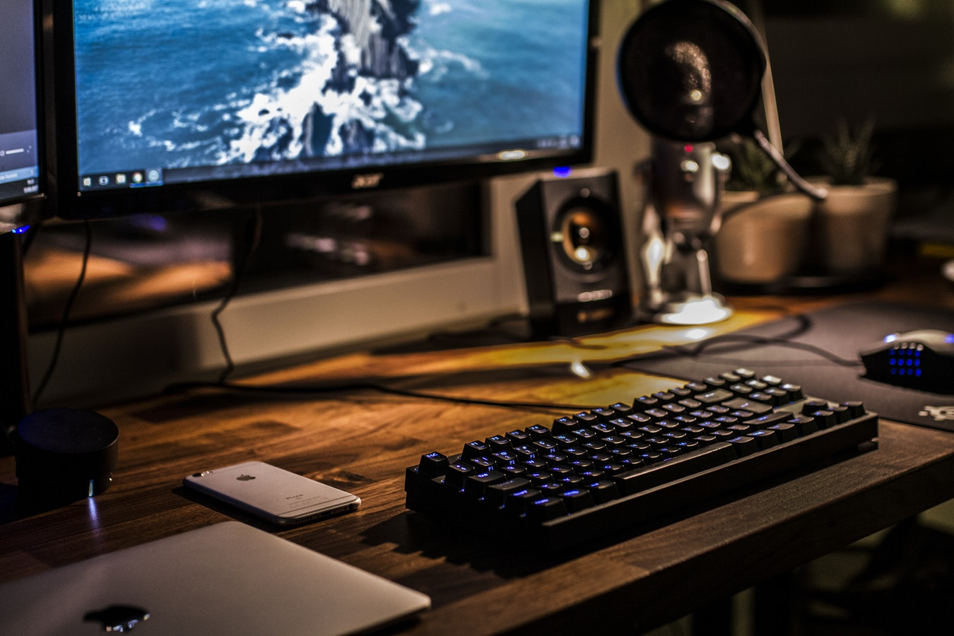 The Best 1080p Gaming Monitor 2018
